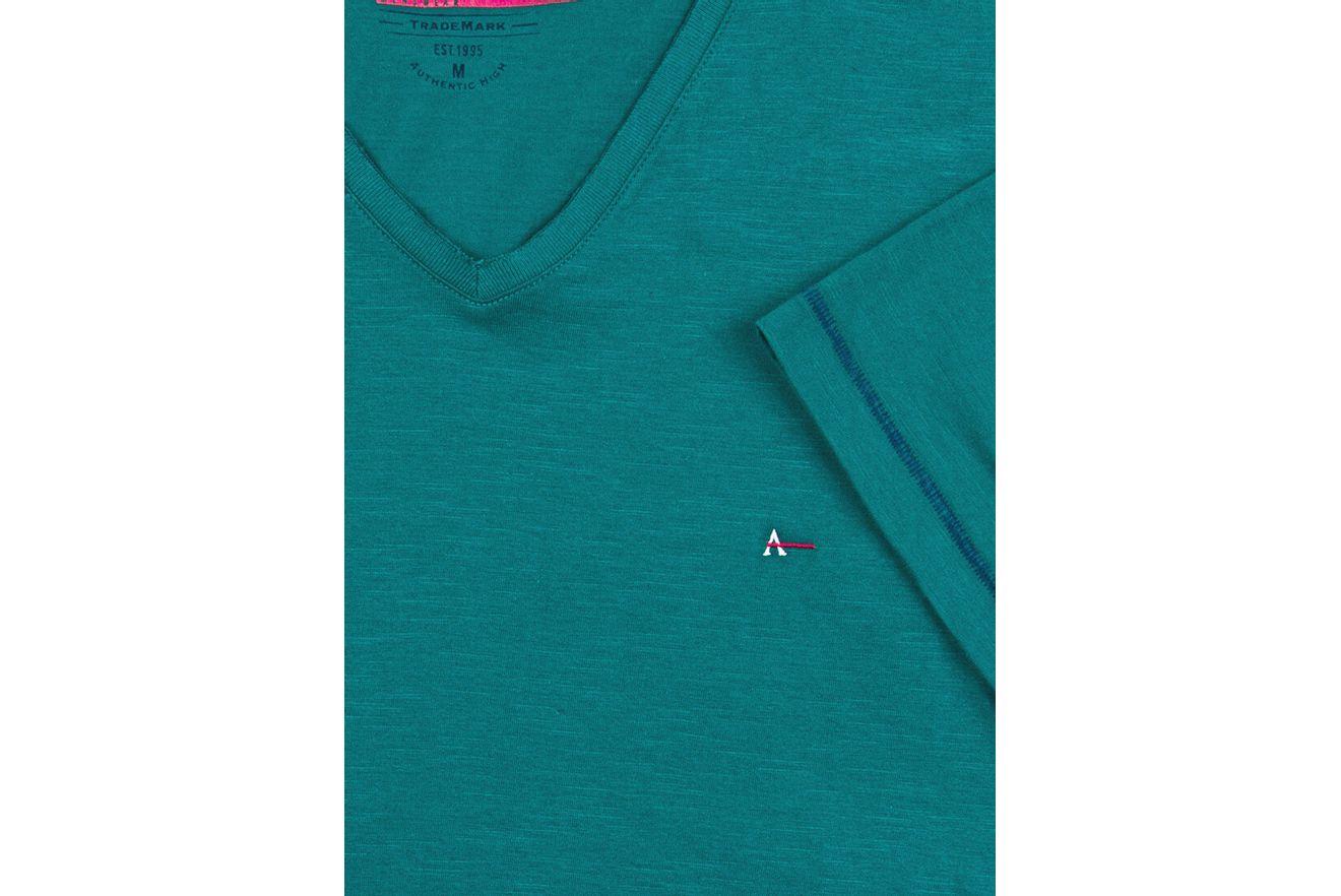 Camiseta-Decote-V-Flame-Bordado---Verde-Escuro