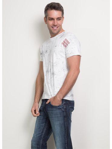 Camiseta-com-Bordado-Zig-Zag01_fr