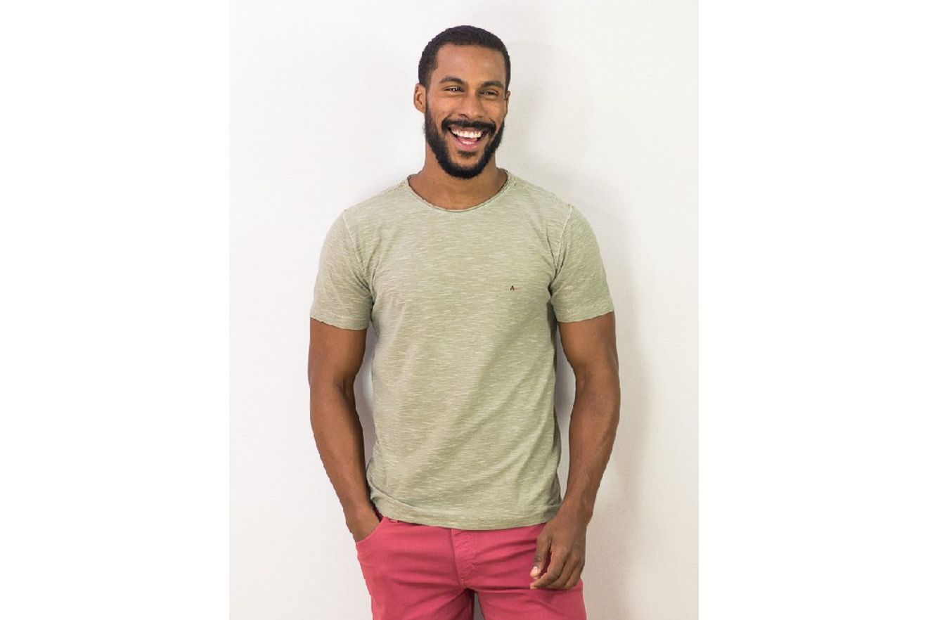 Camiseta-Decote-Careca-Basica_xml