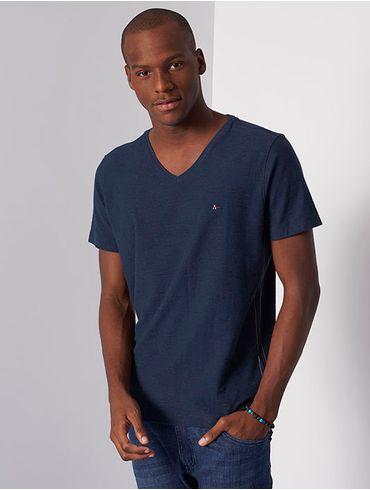 Camiseta-Gola-V-com-Textura_xml