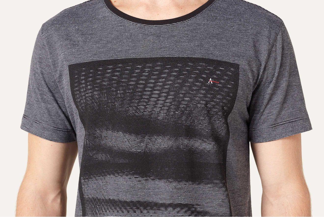Camiseta-Sombras-Tropicais_xml