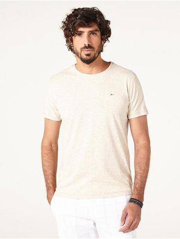 Camiseta-Com-Detalhe_xml
