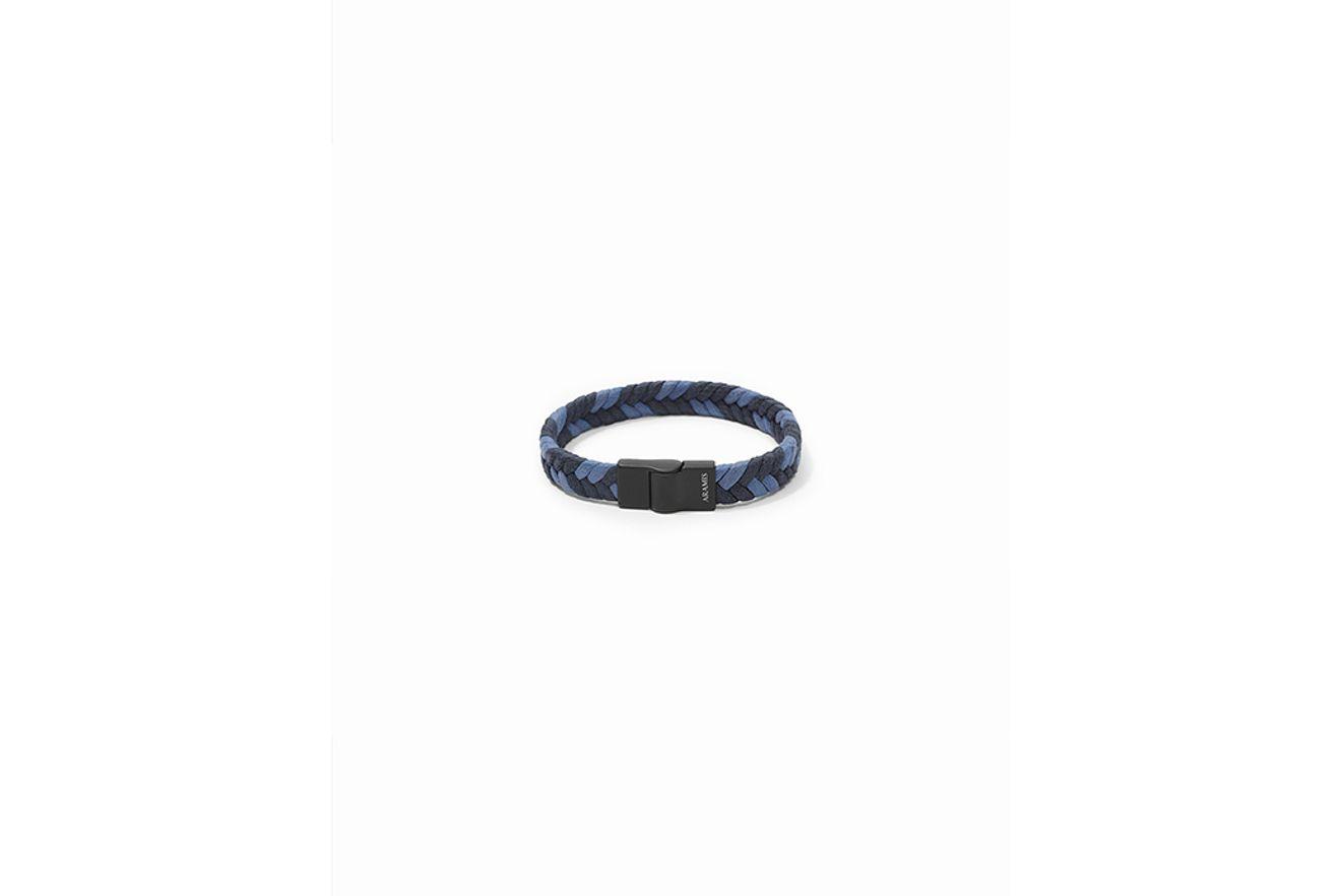 AC160054_010129_1-104-MOBILE