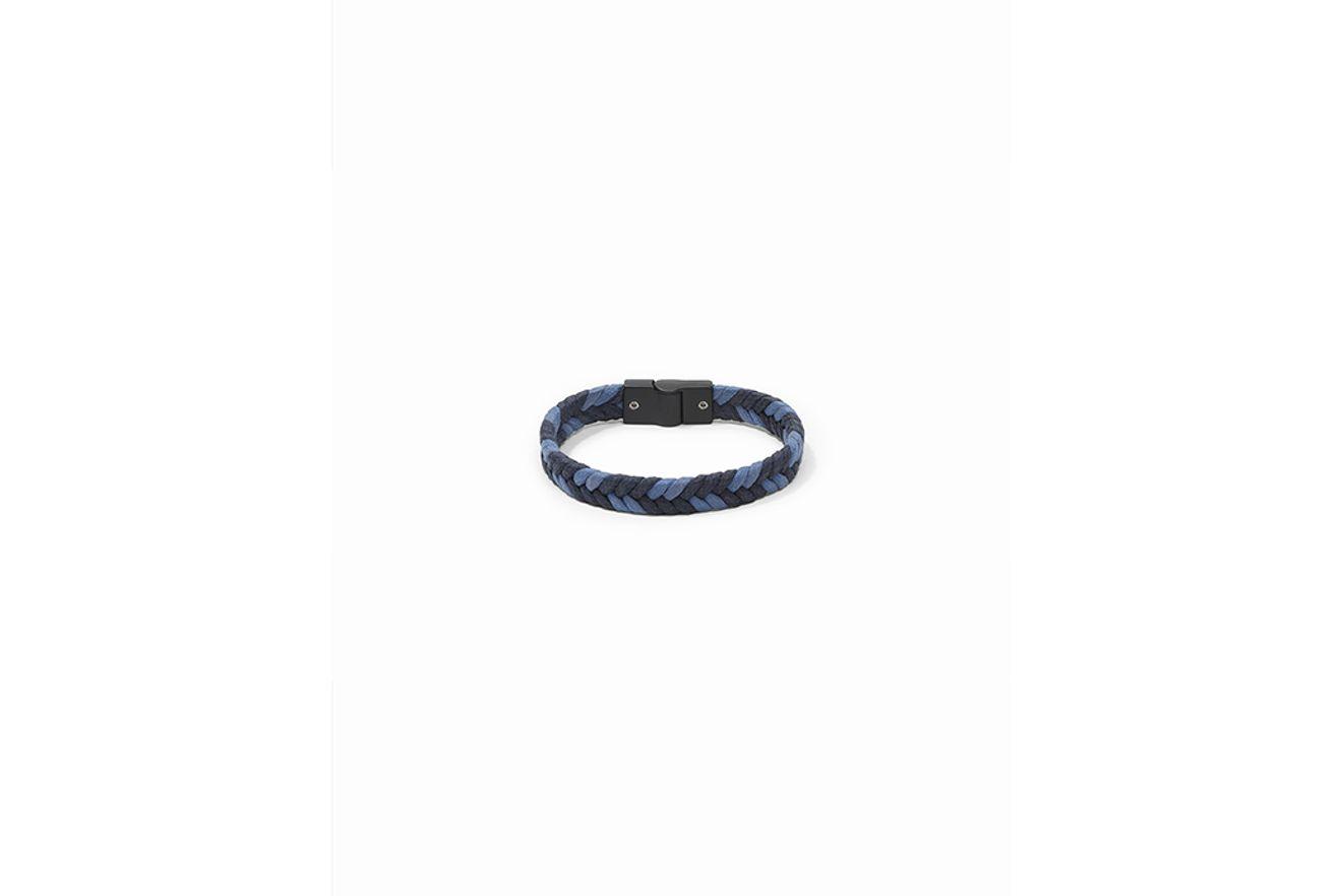 AC160054_010129_2-104-MOBILE